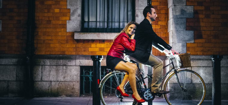 2018 Engagement Photo shoot Trends We Love